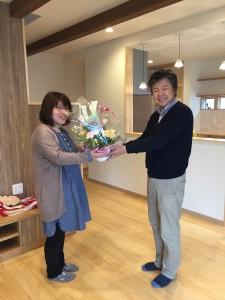 お祝いの花をプレゼント!