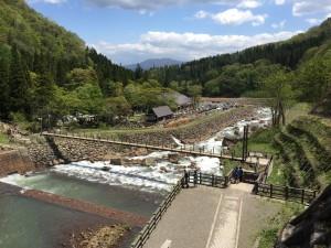 苗名滝に向かう途中の景色もいいんです。
