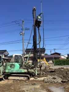地盤改良工事 5m×70本打ちました。